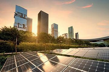 都市での太陽光発電のイメージ写真(提供・国際再生可能エネルギー機関《IRENA》/IRENA報告書から)