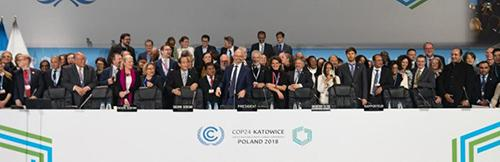 パリ協定の実施ルールを採択したCOP24の一幕(12月15日)(提供・COP24事務局)