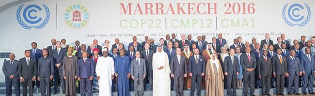 画像3 2016年11月にモロッコ・マラケシュで開かれた「パリ協定」第1回締約国会議(CMA1)会場に集まった締約各国の政府代表ら(国連提供)