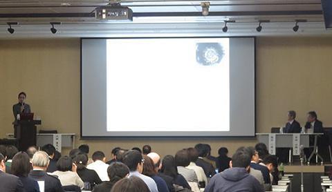 7日に開かれた新型肺炎緊急セミナーの様子(東京都港区の東京慈恵会医科大学の講堂にて)
