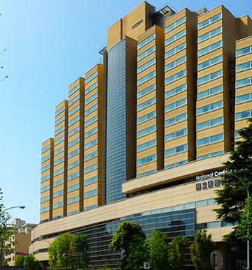 国立国際医療研究センター(東京都新宿区戸山?)(国立国際医療研究センター提供)