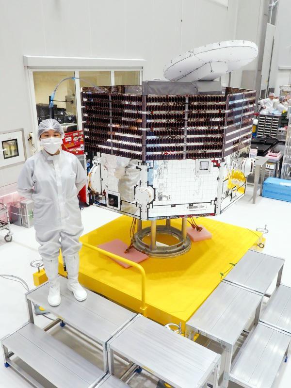 打ち上げ前、最終組み立てを終えた「みお」=2018年6月、仏領ギアナ(JAXA提供)