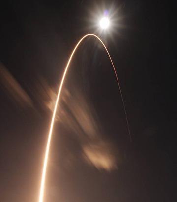 「ソーラーオービター」を搭載したアトラスVロケットの打ち上げの軌跡(Credit: Jared Frankle, NASA Solar Orbiter Social Participant)