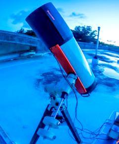 巨?望遠鏡でも直接観測不可能な?型カイパーベルト天体を発?した宮古島の?径 28センチメートルの?型望遠鏡(OASES 観測システム)(提供・国立天文台などの研究グループ/Credit: Ko Arimatsu)