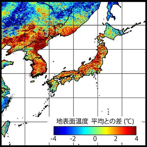 図2 今年7月の地面温度の2002〜2018年の平均からのずれ。気温と同様、本州を中心に高い地域が多かった。北朝鮮や韓国で高いのも特徴的だ。(村上さんら研究グループ提供)