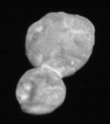 米探査機「ニューホライズンズ」が新年早々に撮影した天体「ウルティマ・トゥーレ」(提供・NASA/Johns Hopkins University Applied Physics Laboratory/Southwest Research Institute)