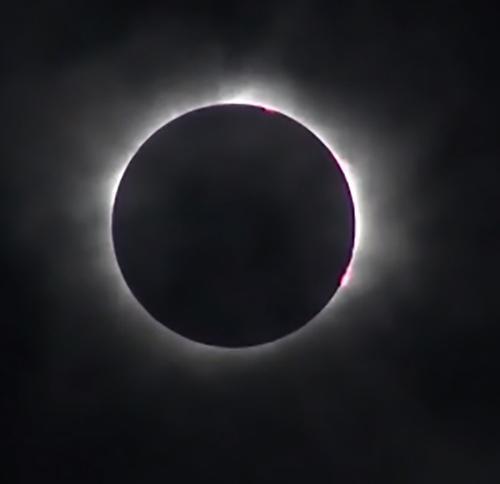 画像1米国で21日観測された皆既日食(NASAテレビから)(NASA提供)