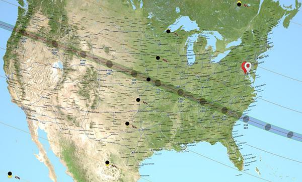 図 米国で皆既日食が観測できた帯状地域(グレーのライン)(提供・NASA)
