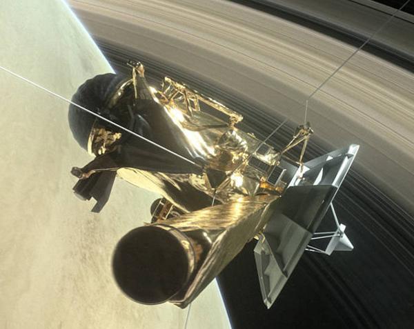 画像2 土星の輪の内側に向かうカッシーニの想像図(提供・NASA)