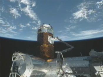 国際宇宙ステーションと結合した「こうのとり」2号機