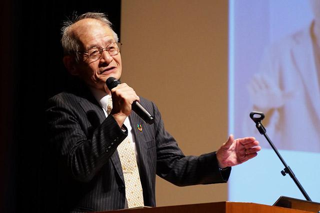 日本化学会のイベント「CSJ化学フェスタ2019」で、ノーベル化学賞受賞決定後初の講演をする吉野彰氏