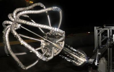 写真2数珠状の新型ロボットハンドが閉じたところ