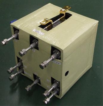 HEML燃料電池スタック(大きさ約24センチ立方)