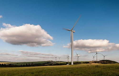 写真2 陸上風力発電のイメージ写真(IRENA提供/IRENAプレスリリースから)