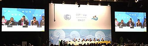画像2 激しい議論が続いたCOP23での一場面(提供・国連COP23事務局)