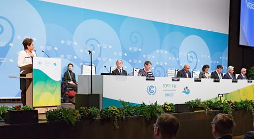 写真1 ドイツ・ボンで始まったCOP23。左端はエスピノサ事務局長(提供・COP23事務局)