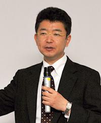 写真 香取秀俊・東京大学教授(2015年4月に開かれた科学技術振興機構の理事長定例記者説明会で)