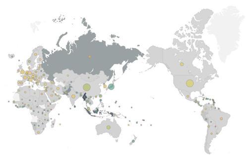 図 自然災害による死者数と災害科学研究の論文数。国の色が濃いほど、自然災害による人口あたりの死者が多い(2004〜2013年)。国の上に描かれた円が大きいほど論文が多い(2012〜2016年)。死者が多いインドネシアやロシアなどで論文が少ない。(エルゼビア提供)