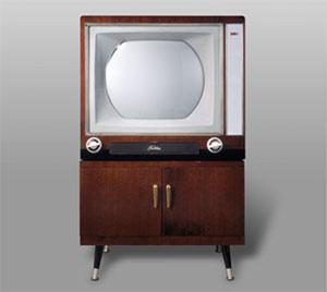 日本最初期の市販・量産型カラーテレビ「D-21WE」