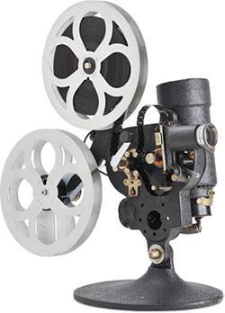 国産初の16ミリ映写機「エルモA型」