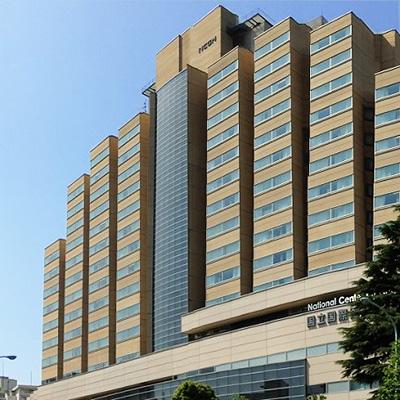多くの新型コロナウイルス感染症患者を受け入れ治療してきた国立国際医療研究センター(東京都新宿区)の建物の一部。同センター病院からも後遺症の症例が報告されている(国立国際医療研究センターのホームページから)
