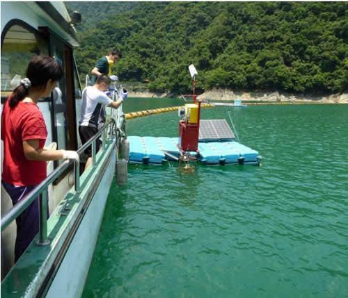 調査した翡翠水庫(台湾北部・台北近郊に位置するダム湖)での共同調査。翡翠水庫は発電と水道水の供給を目的として1987 年に完成した。