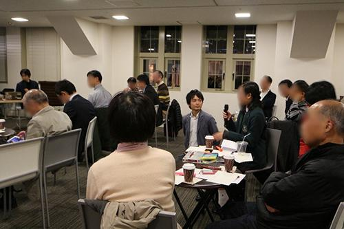 写真3 ワークショップでアイデアを提案する参加者