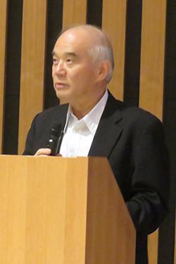 写真1 あいさつする日本学術会議の大西隆会長