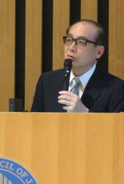 写真2 講演する豊田長康氏