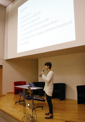 写真2.国際高校生放射線防護会議での発表