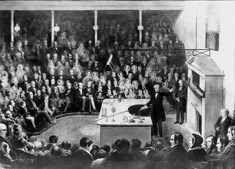 1855年のクリスマスレクチャー。聴衆は老若男女さまざま。