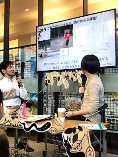 ゲストの小泉逸郎・北大准教授(左)と進行役のCoSTEP受講生(右)
