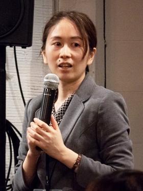 弘前大学人文社会科学部の日々野愛子准教授