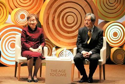 秋山弘子さん(左)齋藤安彦さん(右)