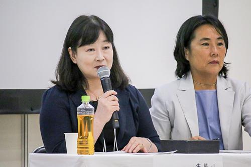 写真8 ディスカッションの様子。左は礒田さん、右は小原さん