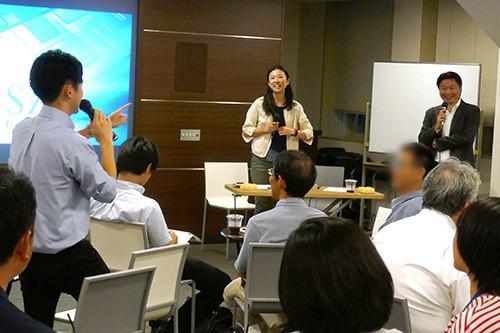 写真7 参加者がアイデア発表する様子