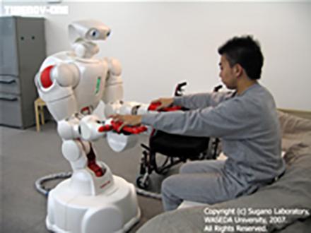 人に優しい介護ロボット公開