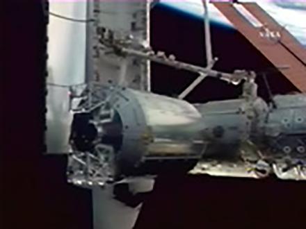「コロンバス」国際宇宙ステーションに結合