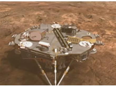米探査機「フェニックス」火星に着陸