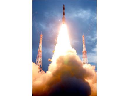 インド初の月探査機打ち上げ