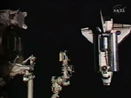エンデバー国際宇宙ステーションとドッキング