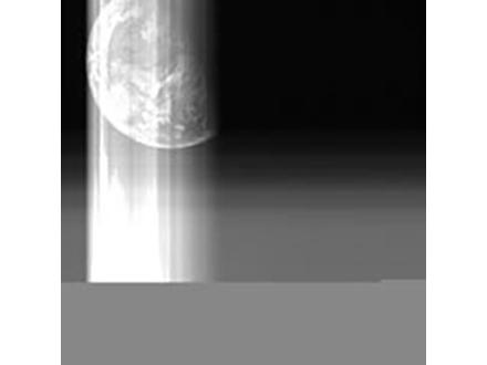 イトカワ粒子の表面に多数のクレーター