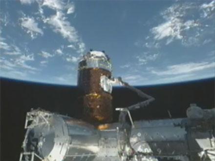 「こうのとり」2号機国際宇宙ステーションと結合
