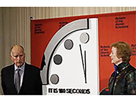 地球最後までの時刻はあと「100秒」 核、温暖化の脅威で過去最短を更新