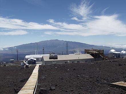 ハワイ・マウナロアで大気中CO2が400ppm超