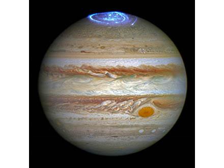 木星表面に多数の対流や渦 米探査機「ジュノー」が観測