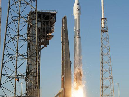 米国版はやぶさ、打ち上げ成功 NASA