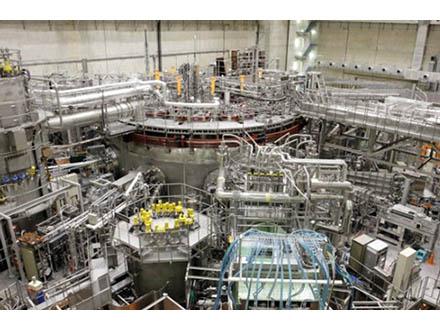 目標イオン温度1億2千万度を達成 ヘリカル型での発電炉実用化に期待と核融合研