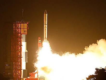 イプシロン3号機の打ち上げ成功 小型地球観測衛星アスナロ2を搭載