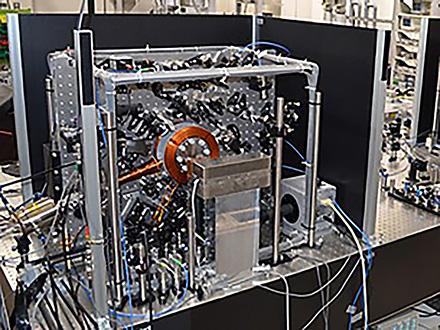 祝 江崎玲於奈賞受賞 −160億年に1秒しかずれない「光格子時計」とは
